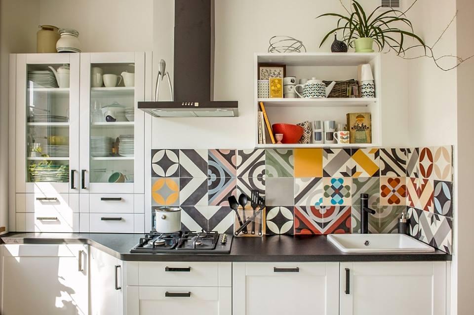 Công trình nhà bếp hiện đại sử dụng gạch ốp tường H-tiles