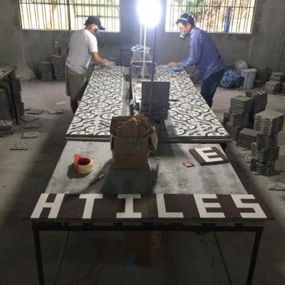 Một góc xưởng sản xuất của H-tiles